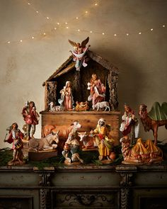 A beautiful Nativity scene... never had one! ~ Fontanini Italian Nativity