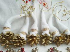 Arany tobozos hómanók, Dekoráció, Karácsonyi, adventi apróságok, Karácsonyfadísz, Karácsonyi dekoráció, Meska