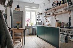 Verde, madera y acero