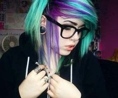 This would be so cute with different colors(: like red and blonde.