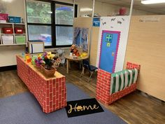 Home Living Dramatic Play Center for Preschool Dramatic Play Themes, Dramatic Play Area, Dramatic Play Centers, Preschool Kitchen Center, Kindergarten Centers, All About Me Preschool, Preschool At Home, Role Play Areas, Construction Theme