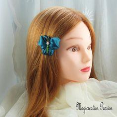 Mini barrette française métal 4 cm papillon de satin bleu canard corps de perles vert - Un grand marché Satin Bleu, Barrettes, Band, Unique, Green, Romantic Hairstyles, Playing Card, Beads, Hair