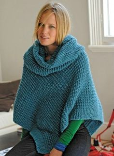 PONCHO : Monter 63 m - 71 m et tricoter deux rangs au point mousse. Continuer en…
