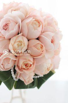 ロザリウム(Rosarium)  アプリコットファンデーションとパールのブーケ