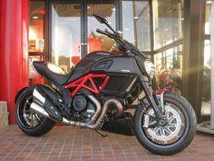 車両情報:DUCATI ディアベル カーボン | ドゥカティ横浜 | 中古バイク・新車バイク探しはバイクブロス