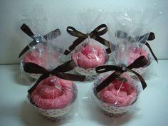 São feitos de toalhinha de boca, lindo para lembrancinhas de maternidade, batizado..... R$ 5,50
