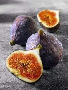 """Time for picking figs in Palestine """" July """""""