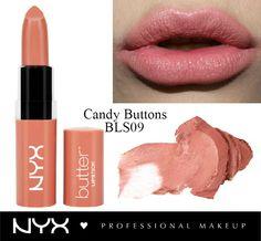 Το αγαπημένο μας κραγιόν για όλες τις ώρες! To NYX Butter Lipstick στην απόχρωση Candy Buttons έχει την τέλεια ροδακινί/ροζ απόχρωση που ταιριάζει με τα πάντα! Η βουτυρένια του υφή το κάνει τόσο ευχάριστο, άνετο και απολαυστικό στα χείλη που θα θέλετε να το φοράτε συνέχεια!