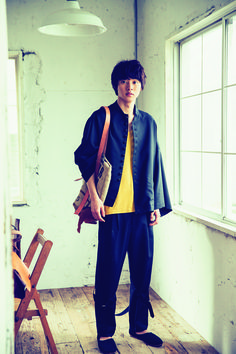 "Kento Yamazaki, ""Making an original bag"", The Television #23, 2015 https://www.youtube.com/watch?v=Pc_PI4Rw1lk"