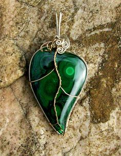 Malachite Leaf Pendant ( I thought it looked more like a broken heart) either way I love the stone!