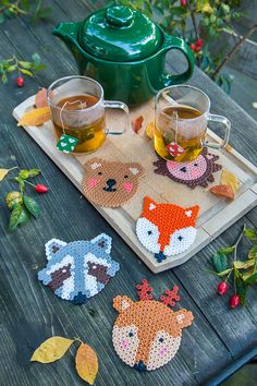 Herbst DIY – tierisch süße Untersetzer aus Bügelperlen You are in the right place about Beading on fabric Here we offer you the most beautiful pictures about the Beading plantillas you are looking for Perler Bead Designs, Hama Beads Design, Hama Beads Patterns, Beading Patterns, Peyote Patterns, Perler Beads, Perler Bead Art, Fuse Beads, Hama Beads Coasters