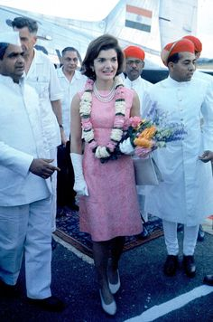 <b>In March 1962, the First Lady took a dazzling goodwill tour of India.</b>