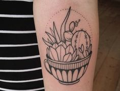 Tattoos usually match the personality of the person getting one — a minimalist will get something unfussy, a dreamer will get something poetic, an art appreciater will get ink that's creative. But everyone likes a stand-out piece, which is why there are quirky tattoos anyone can pull off. Why