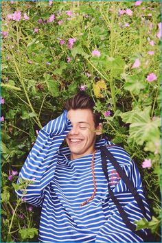 "Can Someone Please Get Harry Styles A Fashion Deal? - - Harry Styles graces not one, but three ""Another Man"" covers this fall. His fashion-world takeover is imminent. Harry Styles Imagines, Harry Styles Lindo, Harry Styles Lockscreen, Harry Styles Cute, Harry Styles Pictures, Harry Styles Wallpaper, Another Man Harry Styles, Harry Styles Smile, Harry Styles Fashion"