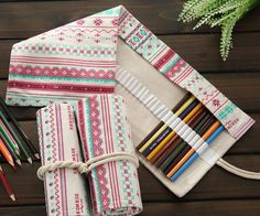 New Travelling Pencil Case – ArtTik Roll Up Pencil Case, Diy Pencil Case, Pencil Boxes, Cute Canvas, Paper Crafts, Diy Crafts, Gifts For Office, Disney Diy, Office And School Supplies