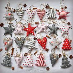 Very simple, 15 stuffed triangles with small baubles … Christmas tree decoration. Very simple, 15 stuffed triangles with small baubles hanging between. Sewn Christmas Ornaments, Handmade Christmas Decorations, Small Christmas Trees, Noel Christmas, Felt Ornaments, Homemade Christmas, Fabric Christmas Trees, Handmade Christmas Tree, Fabric Ornaments
