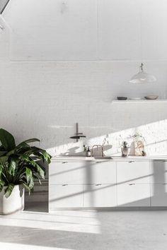 Home Design, Interior Design Kitchen, Kitchen Decor, Interior Decorating, All White Room, White Rooms, Minimal Kitchen, Kitchen White, Open Kitchen