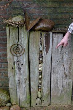 Steine im Holzbalken | Karin Urban - Natural STyle ähnliche tolle Projekte und Ideen wie im Bild vorgestellt findest du auch in unserem Magazin . Wir freuen uns auf deinen Besuch. Liebe Grüße Mimi