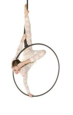 Mélodie Lamoureux   Circus Artist   Hula hoop & Aerial hoop