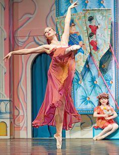 The Nutcracker Ballet - Arabian Dancer. My favorite part of the Nutcracker Ballet has always been the Arabian dancer :)