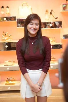 Liza Soberano Fans ‏@LIZAnianz  2d2 days ago Photos from Comfit event last saturday.  Visit and like their fb page.❤ https://facebook.com/comfitshoe/albums/992354410814945/ …