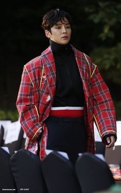 181019 Rowoon at Seoul Fashion Week © pit a pat do not edit, crop, or remove the watermark Law Of The Jungle, Seoul Fashion, Fnc Entertainment, Latest Albums, First Dance, Beautiful Children, Korean Actors, Bad Boys, Boy Groups
