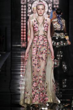 Reem Acra Spring 2016 Ready-to-Wear Collection Photos - Vogue  http://www.vogue.com/fashion-shows/spring-2016-ready-to-wear/reem-acra/slideshow/collection#37