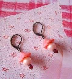 PINK Raspberry Ripple earrings by TheEnglishEclectic on Etsy, $20.00
