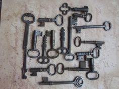antique black metal skelton keys