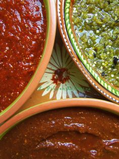 A great salsa is only as good as the salsa running down your arm! One of the most fun dinner with friends and family, for me, is a taco party or taquiza. Spicy Salsa, Salsa Picante, Salsa Salsa, Green Salsa, Salsa Verde, Mexican Salsa Recipes, Mexican Dishes, Hot Sauce Recipes, Sauces