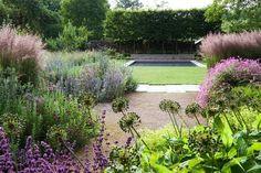 dan pearson landscape design / old rectory gardens, naunton gloucestershire Gravel Garden, Water Garden, Garden Landscaping, Gravel Path, Farm Gardens, Outdoor Gardens, Dan Pearson, London Garden, Contemporary Garden