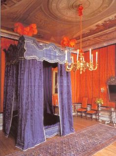 Bedroom of Stadholder/King Willem III, Het Loo Palace,  Apeldoorn, the Netherlands