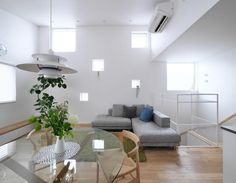 Ryo MaedaさんはInstagramを利用しています:「ランダム窓で壁にアクセント。正方形で大きさ違い配置。…」 Table, Furniture, Home Decor, Instagram, Living Room Ideas, Decoration Home, Room Decor, Tables, Home Furnishings