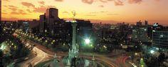 100 cosas que hacer en la Ciudad de México. ¿De viaje por la capital y no sabes por dónde empezar? Aquí cien ideas, probadas por nuestros expertos, para que descubras y te (re)enamores de los diferentes rincones del Distrito Federal.