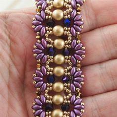 Regal mano abalorios pulsera de púrpura y por ChainedByLightness