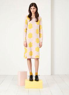 Super weiches Strick-Kleid, rosa mit gelben Punkten. Auf Etsy.