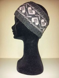 Ida Amalies Hobbykrok: Pannebånd med hjerter. Knitted Hats, Crochet Hats, Baby Knitting, Mittens, Knitting Patterns, Hat Patterns, Headbands, Free Pattern, Diy And Crafts