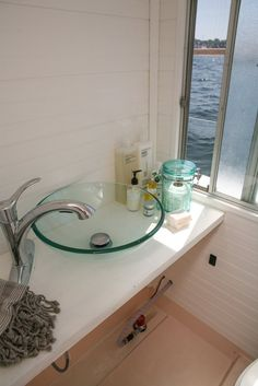 Chris and Kristen's Dreamy Houseboat House Tour   Apartment Therapy