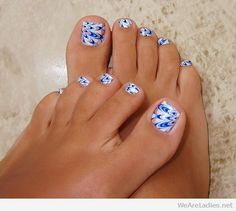 Nice toes  on white, blue and gold