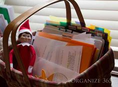 Do you have a Sunday Basket? Everyone needs a weekly planning basket. Direct Sales Organization, Household Organization, Organized Mom, Getting Organized, Home Office Organization, Storage Organization, Home Binder, Paper Clutter, Making Life Easier