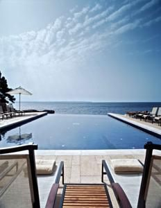 Welcome to the official web of Hospes Maricel & Spa*****. Calm and Avant-garde boutique hotel in Palma de Mallorca by the sea. Boutique Hotels, A Boutique, Madrid Hotels, Best Hotel Deals, Best Hotels, Top Hotels, Hotels And Resorts, Luxury Hotels, Alicante