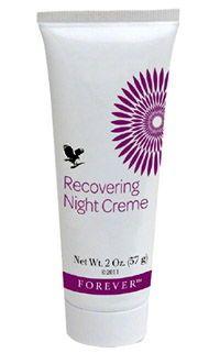 Recovering Night Creme è una crema specifica per la notte ed è uno degli articoli all'interno del trattamento completo di bellezza Aloe Fleur de Jouvence.