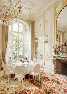 The Salon Psyché at the Ritz Hotel in Paris. Opened on the of June the hotel immediately became fashionable with Parisian… Classic Decor, Classic Interior, French Interior, French Decor, Luxury Interior, Interior And Exterior, Palace Interior, Interior Lighting, Beautiful Interiors