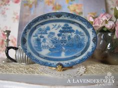 ♥♥ This platter is made from a high quality porcelain. It measures 38mm x 23mm. There is a plate and tea cups to match this platter. ♥♥ The photo