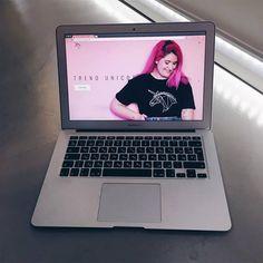 Ya has visto la nueva estética de la web? Esta renovada entera!  http://ift.tt/2nIfJnJ  #trendunicorn #web #laptop #mac #macbook #inspiration