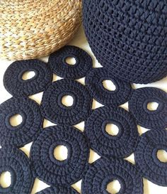 •••Home Decor••• Solicite orçamento via direct ou Whatss #puff #tapete #tshirtyarn #morning #yarn #bomdia #crochet #crochê #fiodemalha #ganchillo #trapillo #tapetedecrochê #puffs #homedecor #homedesign #instadecor #decoraçao #decoraçãodeinteriores #decor #tendencia #artesanal #compredequemfaz Knit Rug, T Shirt Yarn, Floor Mats, Scandinavian Style, Home Accessories, Cross Stitch, Kids Rugs, Instagram Posts, Handmade