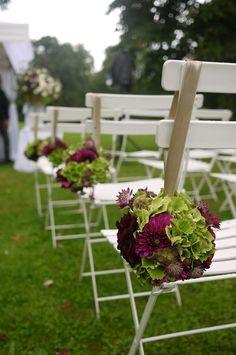 Wedding ceremony flowers in lay outside - pink dahlia, Hydrangea, and lisianthus | Akiko Usami