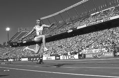 Jonathan Edwards, 60-foot triple jump