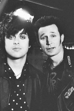 #GreenDay - #BillieJoeArmstrong #MikeDirnt
