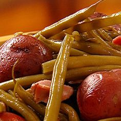 Ham And Green Beans, Cooking Fresh Green Beans, Green Beans And Potatoes, Ham Hock Recipes, Potato Recipes, Pork Recipes, Cooking Recipes, Bon Appetit
